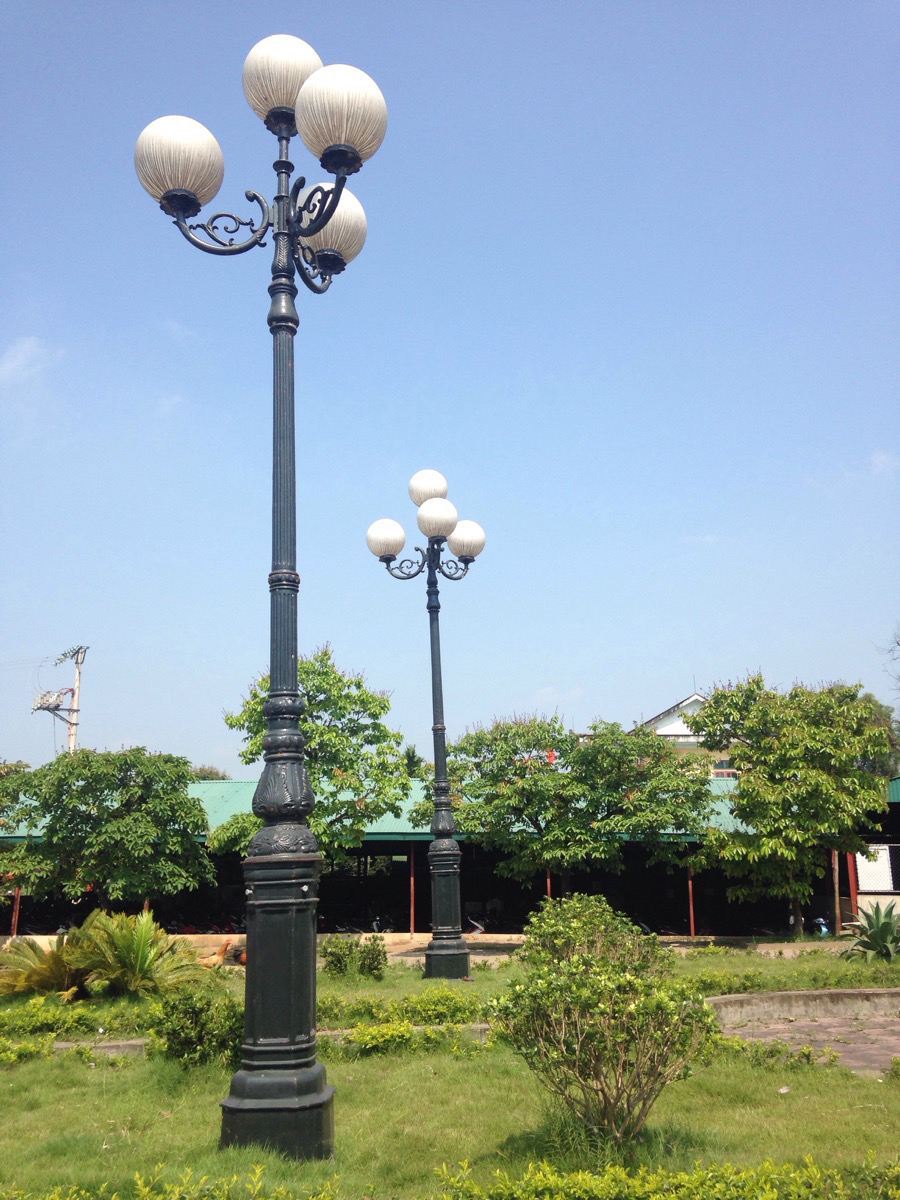 Cột sân vườn DC05B