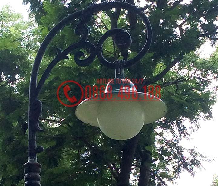 Đèn sân vườn mai chiếu thủy